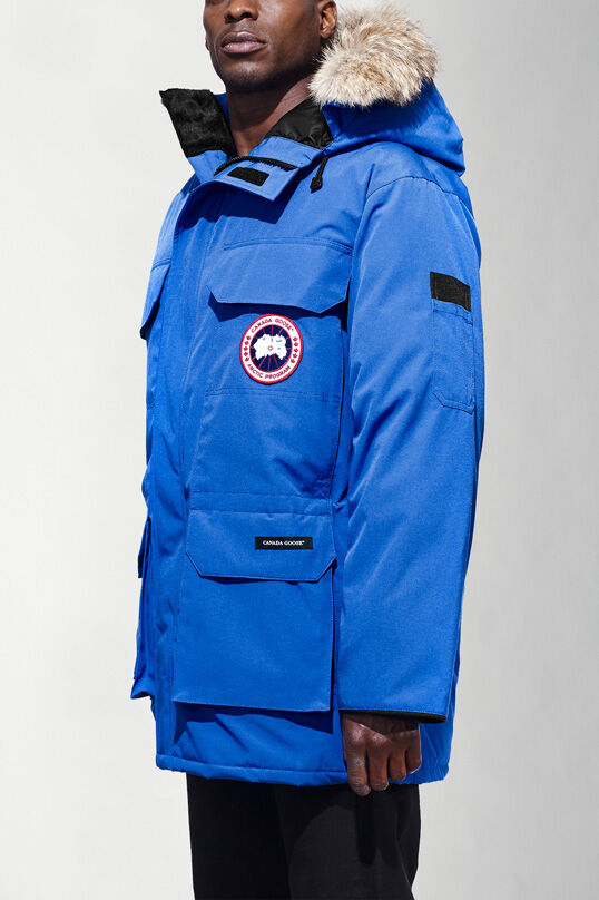 canada goose jacket good for skiing